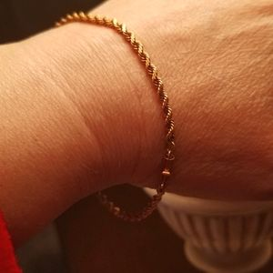 18k stamped Gold Rope Bracelet 19inches 7.10 Grams